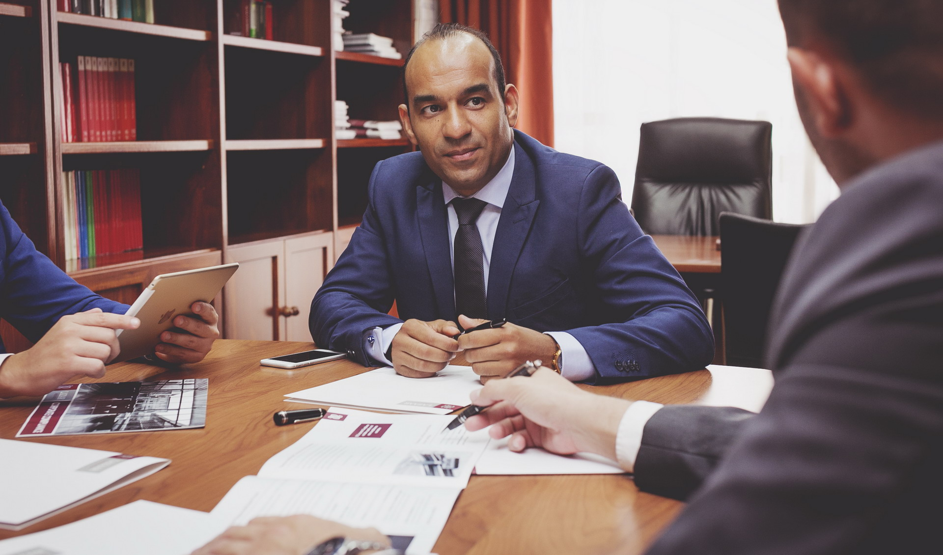Accede a nuestro dossier 'Corporate Compliance'